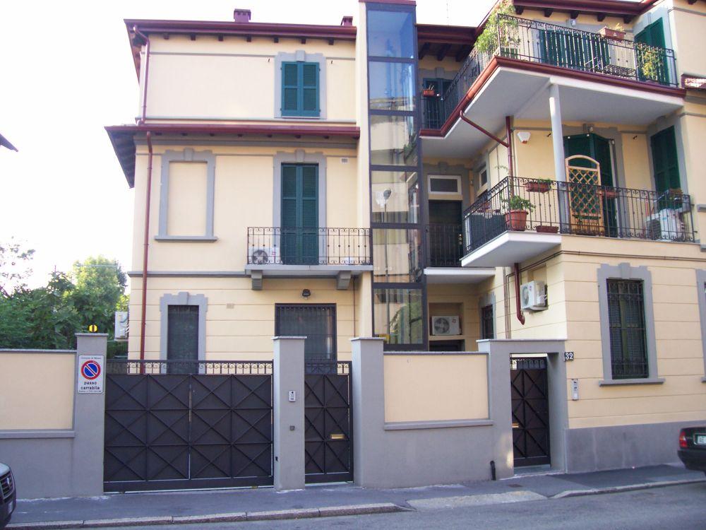 Via Mola - Milano - Esterno